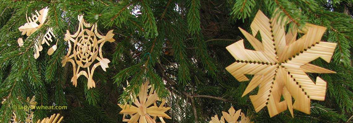 Lithuanian Christmas tree ornaments by Ursula Astras